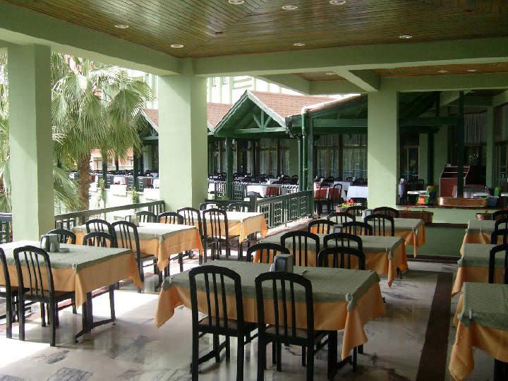 отель Ананас открытые и закрытые рестораны
