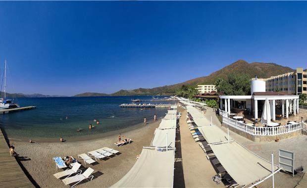 пляж отеля Мармарис Резорт энд Спа