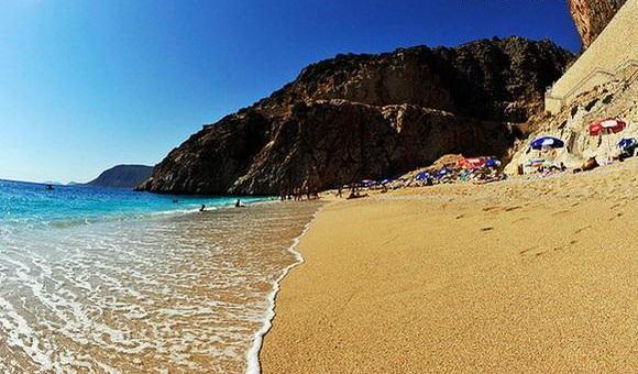 Песчаный пляж Калкане